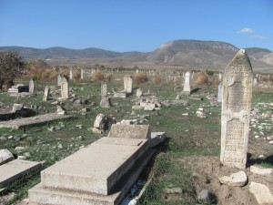 zerstoerterter azerbaidschanischer Friedhof
