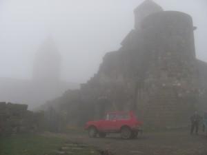 Tatev Kloster im Nebel